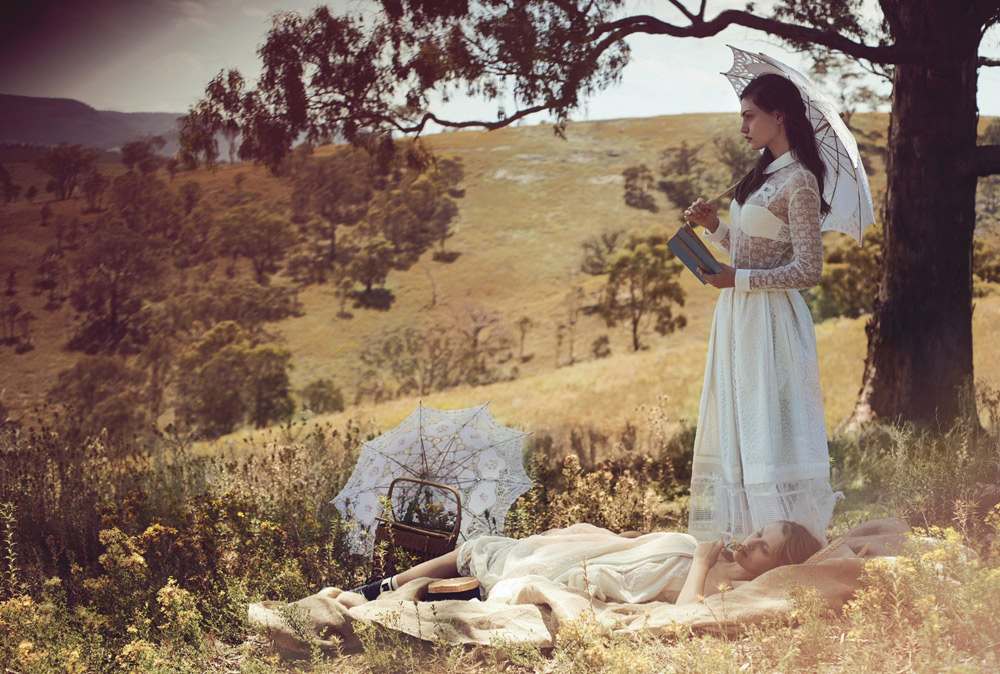 Vogue-Australia-Pheobe-Tonkin-Teresa-Palmer-Picnic